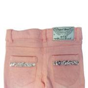 3 pommes back of girls pink jeans