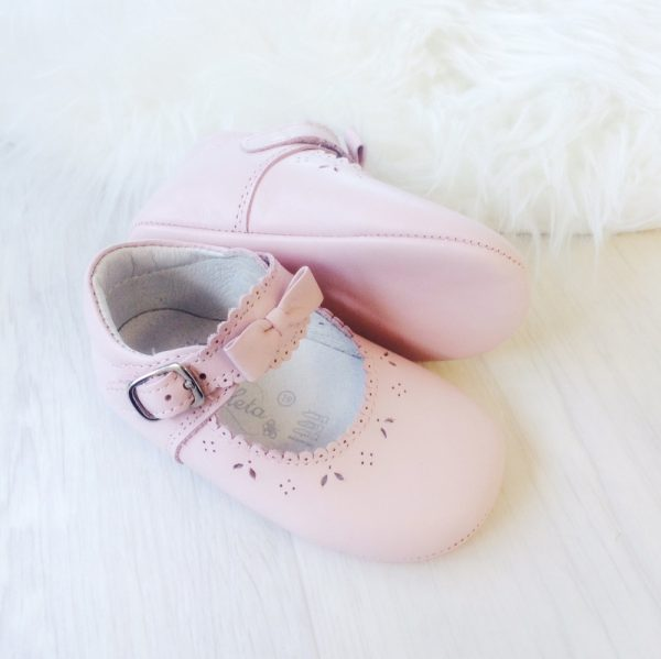 Borboleta Baby Girls Pink Leather Pram Shoes
