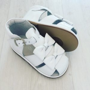 Borboleta Baby Girls White Sandals