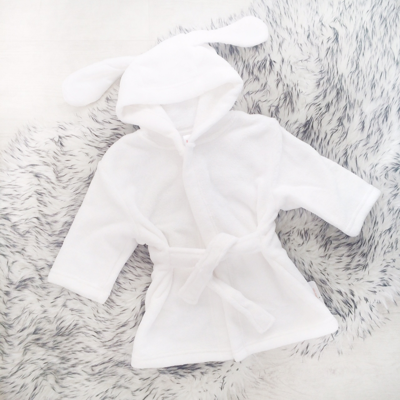 White Baby Dressing Gown | Personalise Baby Robe | Bumpalumpa.com