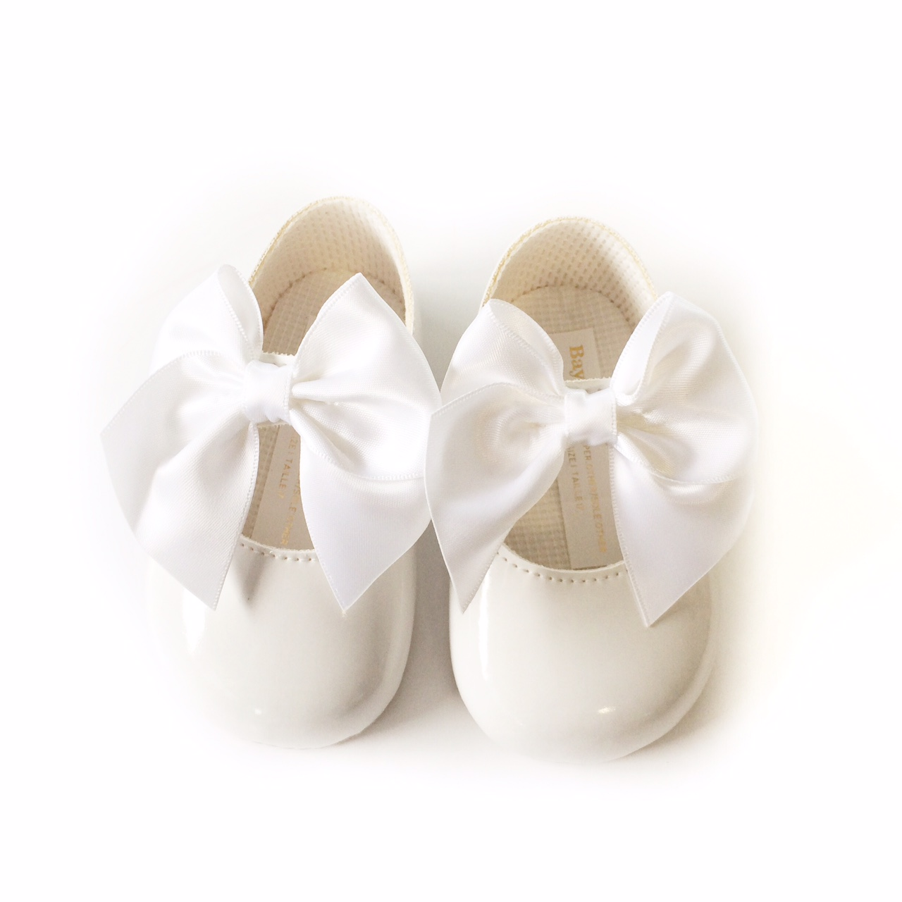 76d4980029426 Baby Girls White Bow Soft Sole Shoes