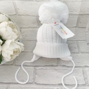 Unisex White Knitted Pom Pom Hat